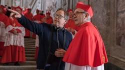 Meirelles instruye a Jonathan Pryce, el actor británico que encarna al Pontífice argentino.