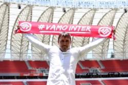 Coudet le habría pedido a la dirigencia del Inter de Porto Alegre hacer todo lo posible para retener a Paolo Guerrero.