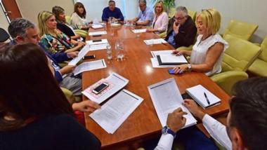 Los diputados analizaron ayer los diferentes proyectos que ingresarán en la sesión extraordinaria.