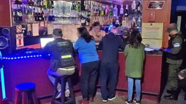 La investigación derivó en el allanamiento de dos locales nocturnos con el rescate de 15 mujeres.