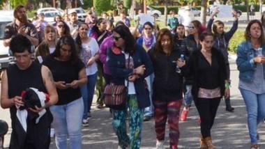 La marcha fue organizada por la Red de Contención Trevelin que criticó al tratamiento de este caso y la actuación de la justicia cordillerana.