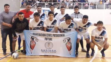 Formación de Los Altares, finalistas en Honor ante Club de Amigos.