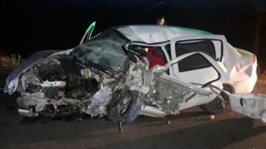 Así quedó el vehículo en el que se desplazaba la víctima mortal , junto a sus allegados que están heridos.
