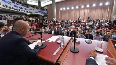 El Presupuesto 2020 de la nueva legislatura fue aprobado por la vieja composición de los diputados.