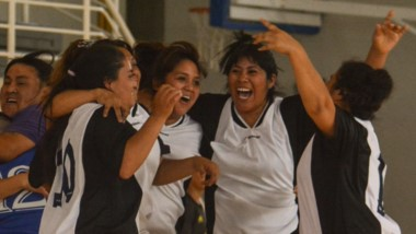 """En Femenino, La Academia y Camarones se consagraron campeonas en División """"A"""" y Honor, respectivamente."""