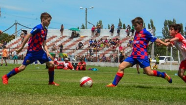 En el Cayetano Castro, una de las sedes del torneo, se realizó la entrega de premios para todos los equipos.