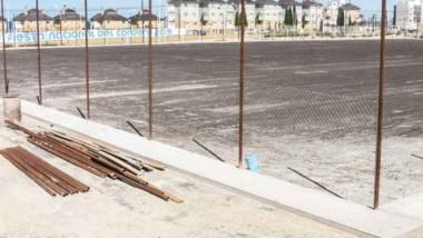Una de las obras que se realizó fue el alambrado olímpico en lo que será la nueva cancha auxiliar.