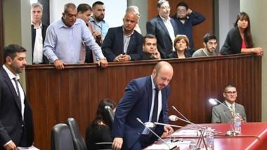 Muy temprano. El vicegobernador Ricardo Sastre logró comenzar a horario y sesionar sin inconvenientes.