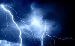 Las altas temperaturas de los últimos días serían la causa de la llegada de tormentas eléctricas para este lunes.