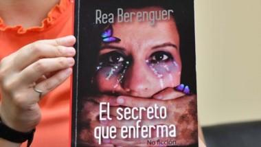 """""""El libro habla sobre mi historia de vida. Sobre el abuso sexual infantil y la violación infantil"""", contó la autora en una entrevista con Jornada."""
