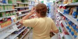 El objetivo es evitar que los consumidores deban pagar desde enero incrementos del 21% promedio en esos artículos de primera necesidad.