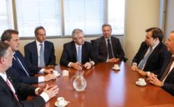 AF, junto a Scioli, Solá y Massa se reunieron este jueves con el titular de la cámara de Diputados del Brasil Rodrigo Maia.