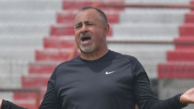 """Jaime Giordanella, DT del """"Albirrojo"""", no pierde la esperanza de que Racing Club pueda volver a competir en el Regional del año próximo."""