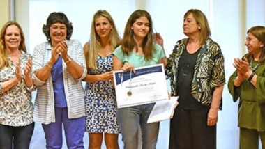 Los alumnos distinguidos fueron: Celeste Povolo, Francisco Royo y Lucía Barazzutti y pertenecen a las Escuelas Nº750, Nº 790 y Nº 710 de Madryn.