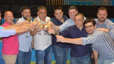 El brindis de la categoría 4 cilindros potenciados , donde el campeon fue Darío Taurelli . También se adjudicó la Copa de la Federación Chubutense.