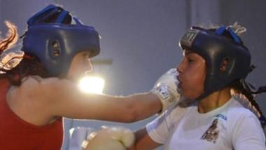 A partir de las 18 horas se abrirá el telón, para comenzar  a disfrutar de una nueva velada boxística en Playa.