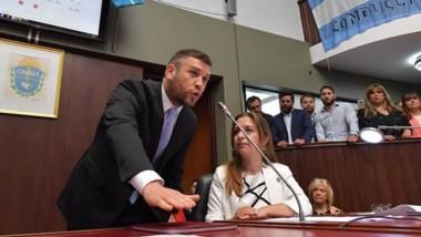 Jefe nuevo. Juan Horacio Pais juró y ya es el presidente del bloque de Chubut al Frente en el nuevo parlamento que gestionará hasta 2023.