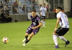 Con gol de Martín Comachi, el Violeta venció 1-0 a Atlético Rafaela.