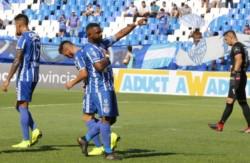 Godoy Cruz enfrentará por primera vez a Armenio, que tratará de dar un batacazo más en el certamen más federal del fútbol.