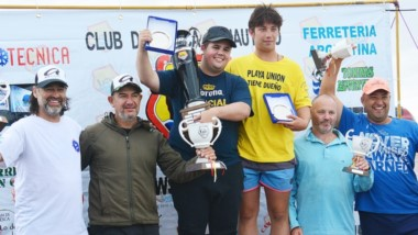 El podio. Ariel Aranea y Darío Pucheta (2º), Nico Ruiz y Agustín Valiña (1º) y Fernando Arabia y Adrián Valiña (3º).