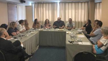 A la reunión asistieron la filial local de la CAT y con la Asociación de Agencias de Viaje de Península Valdés.