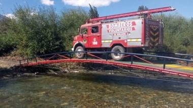 El puente que construyó José Bahamonde también beneficia a la asistencia de los bomberos.