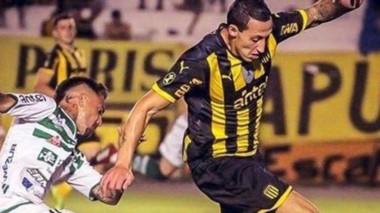El defensor Lema disputó su primer partido con la camiseta de Peñarol.