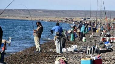 Con más de cien pescadores, se realizó la 40° edición del concurso.