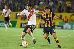 En un partido electrizante, el Millonario mereció más pero terminó igualando 1-1 frente a Central.