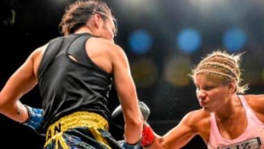 Liz Crespo en acción. Afincada en Puerto Madryn, la boxeadora volverá al ring nada menos que en su casa, para todo el público chubutense.