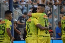 El Defensa y Justicia de Beccacece sigue intratable y queda momentáneamente como único líder en la Superliga Argentina.