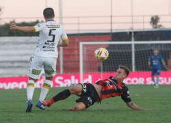 Aldosivi, que viene de ganarle en forma agónica a San Martín de San Juan, tendrá 3 cambios en Paraná.