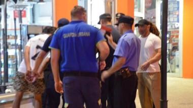 El procedimiento ocurrió en la zona céntrica de Trelew en medio de un patrullaje callejero.