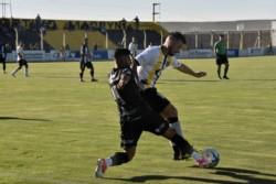 EEl franco-argentino Hugo Bargas marcó su primer gol en la Argentina. Clave para que Madryn confirme su levantada.