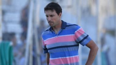 Luciano Theiler se reunió con la dirigencia de Guillermo Brown. En caso de no lograr los tres puntos en Tandil, será removido de sus funciones.