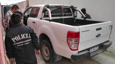 El procedimiento incluyó el secuestro de una camioneta en cuyo interior había cajas con balas calibre 22.