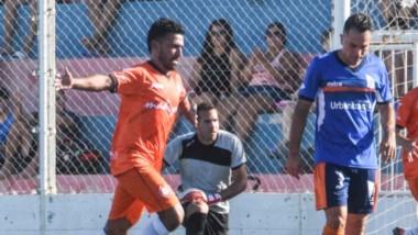 """Alejandro Aguirre festeja su gol ante la CAI, el segundo de J.J. Moreno ante el """"Azzurro"""" el pasado sábado en el triunfo por 2-1 en Alianza."""