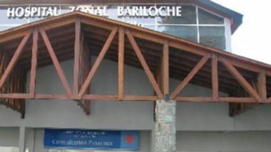 Una niña permanece internada en el Hospital de Bariloche.