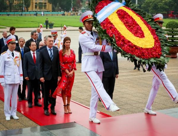 Con un homenaje al líder socialista Ho Chi Minh, Macri inició su visita a Vietnam