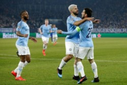Manchester City sudó más de la cuenta para vencer al Schalke y tiene buen porcentaje de serie ganada. Otamendi fue expulsado.