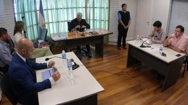 Frente a frente. Massoni, que fue su propio abogado, y enfrente Fernández con un defensor público.