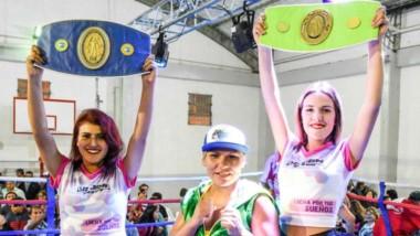 Lizbeth Crespo sonríe tras acabar el combate con la experimentada Marisa Núñez. Ahora, su sueño es pelear por un título mundial.
