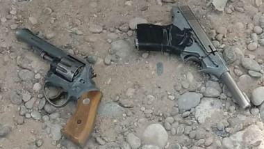 Peligro. Ambas armas del calibre 22 fueron secuestradas por personal policial de la prevención.