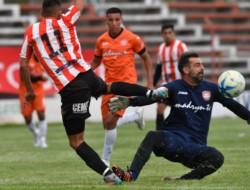 Racing acumula 12 partidos sin perder en el Cayetano Castro y Moreno sigue invicto.