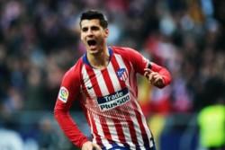 El Atlético de Madrid de Cholo Simeone venció 2-0 a Villarreal con goles de Morata y Saúl y es el primer escolta de Barcelona, a 7 puntos de distancia.