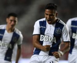 El venezolano Samuel Sosa, entró desde el banco en el minuto 64 y anoto un golazo, que sirvió para darle el triunfo a Talleres.