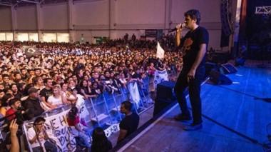 Entusiasmo. De la celebración participaron  artistas locales y nacionales, entre ellos Ciro y Los Persas.