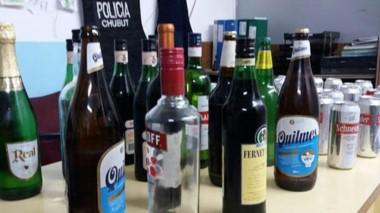 Bebidas alcohólicas fueron decomisadas en el pelotero comodorense.