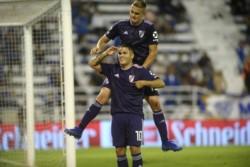 Goles colombianos para que River le gane 2-1 a Vélez, que llevaba 14 oartidos sin perder en Liniers,