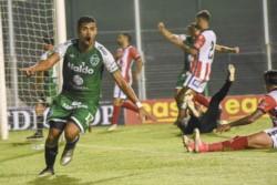 Sobre la hora, Leonardo Villalba anotó el 1-1 final de Sarmiento ante Instituto en la B Nacional.